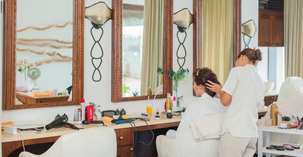 article How to buy a hair salon image