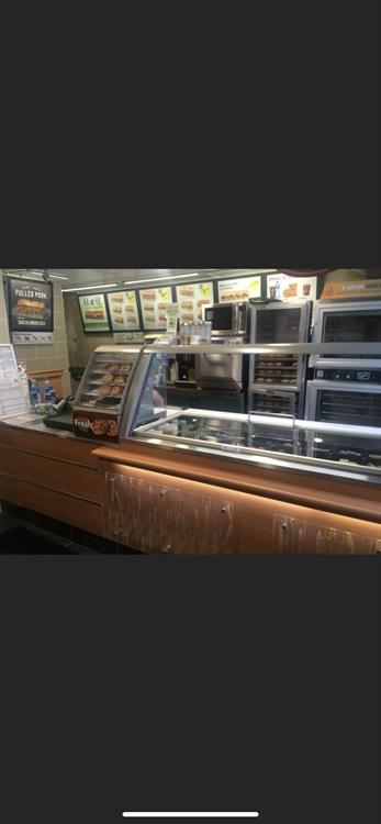 well running subway restaurant - 4